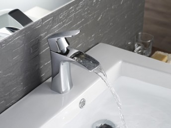 Polar Vessel Chrome Faucet - F01301
